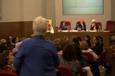 Pápežská rada pre laikov: Boh zveril ľudský život žene