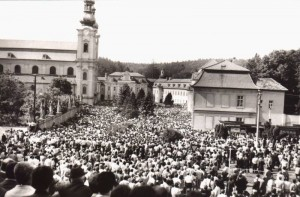 Velehrad 1985, zdroj: http://www.farnostvelehrad.cz