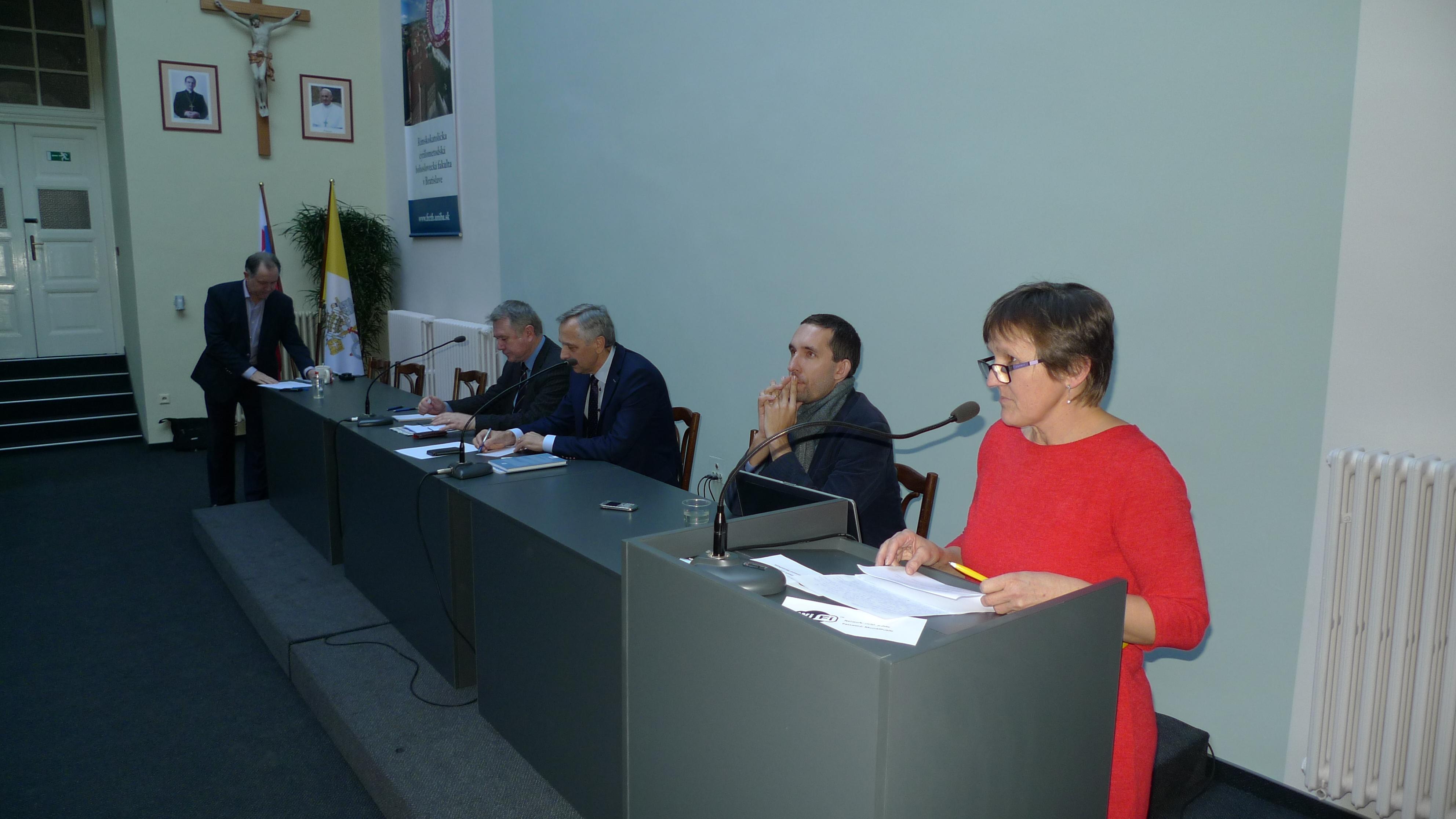 FKI diskutovalo s politikmi a kandidátmi na poslancov do NR SR