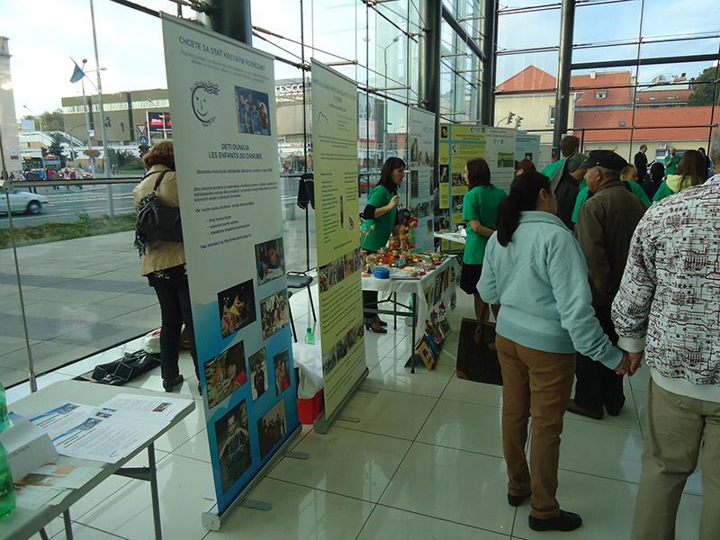 8. ročník Veľtrhu sociálnych aktivít sa stretol so záujmom návštevníkov obchodných centier